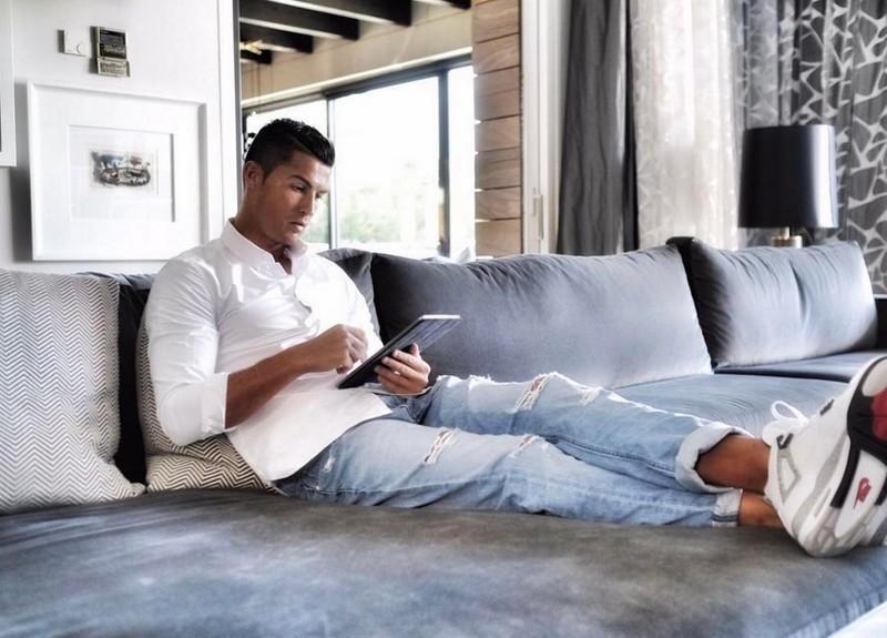 Kinh ngạc bên trong dinh thự siêu sang của Ronaldo - ảnh 12