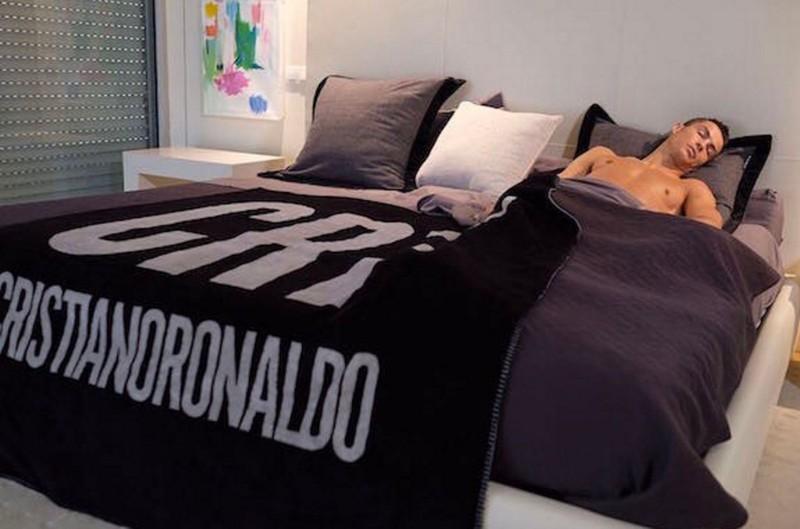 Kinh ngạc bên trong dinh thự siêu sang của Ronaldo - ảnh 6