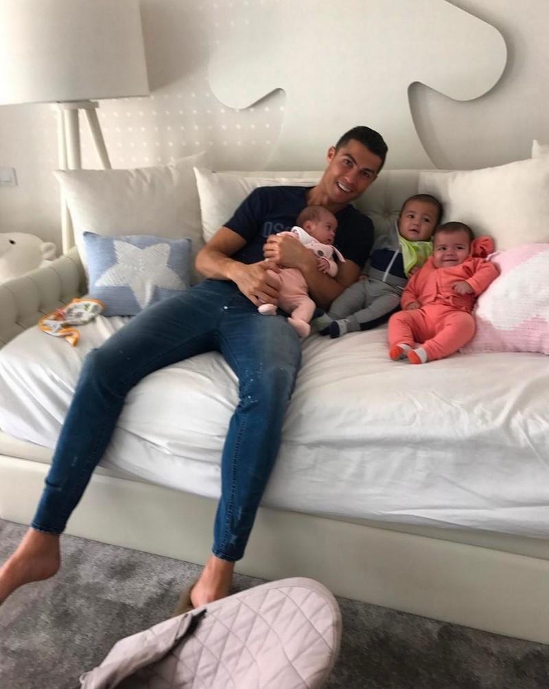 Kinh ngạc bên trong dinh thự siêu sang của Ronaldo - ảnh 8
