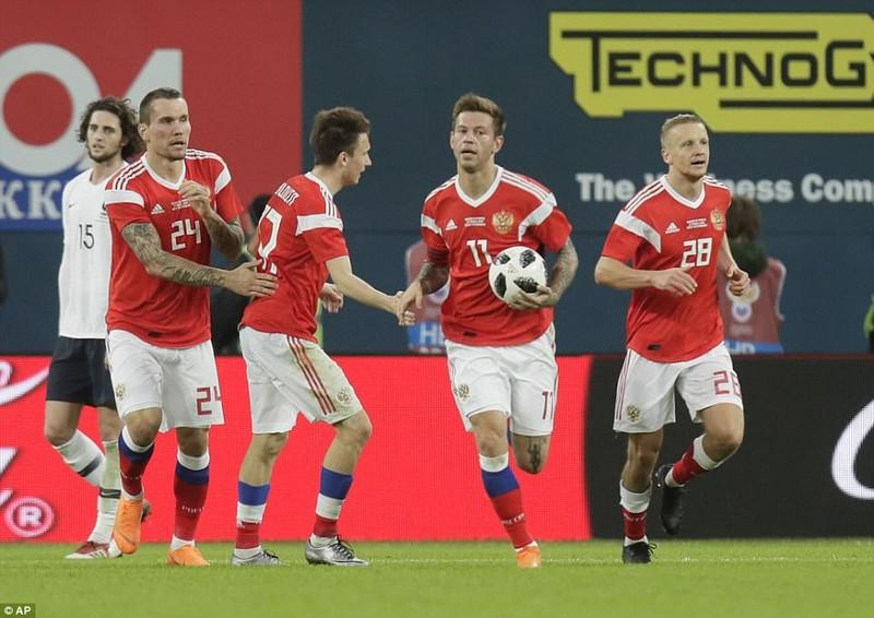 Sao MU, PSG rực sáng, Pháp hạ gục chủ nhà World Cup - ảnh 4