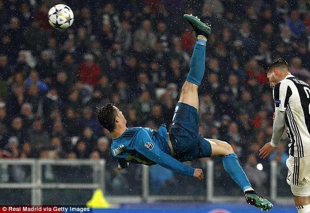 Real công bố video Ronaldo tung người móc bóng... lỗi - ảnh 3