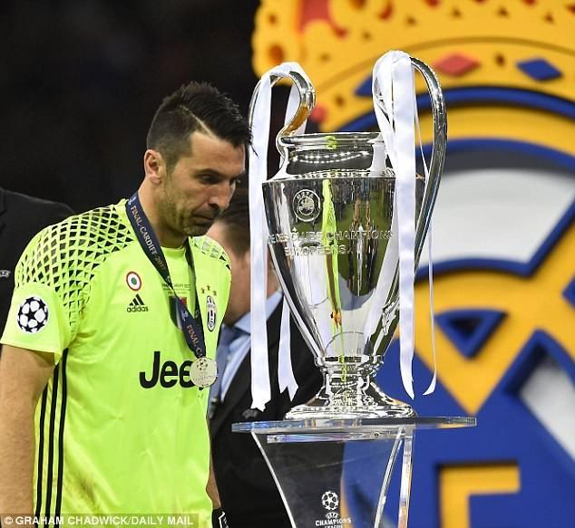Buffon tuyên bố chia tay Juventus: Tạm biệt một huyền thoại! - ảnh 4