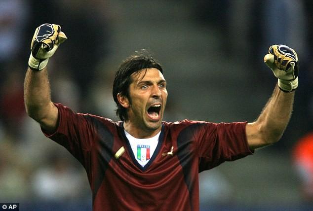Buffon tuyên bố chia tay Juventus: Tạm biệt một huyền thoại! - ảnh 2