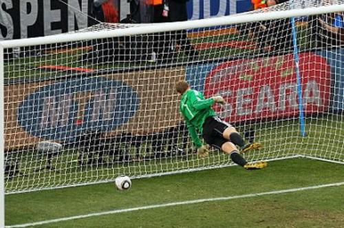 Ký ức World Cup: Bí ẩn 'bàn thắng ma' định đoạt trận chung kết - ảnh 6