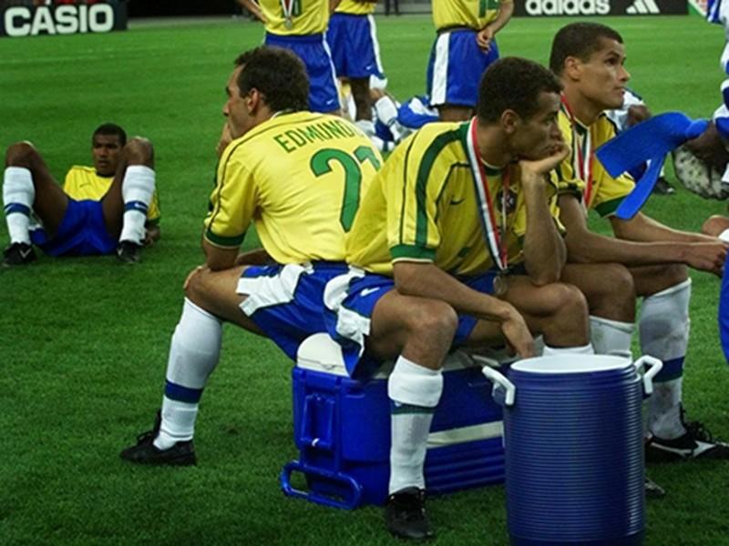 Ký ức World Cup: Bí ẩn vụ động kinh trước trận chung kết - ảnh 6
