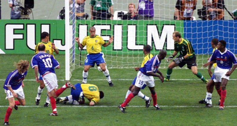 Ký ức World Cup: Bí ẩn vụ động kinh trước trận chung kết - ảnh 3