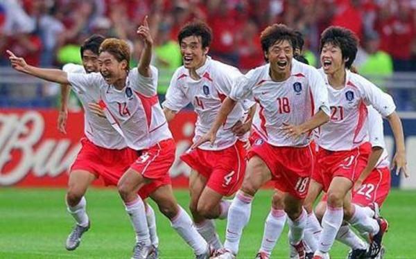 Ký ức World Cup: HLV Park Hang-seo và tai tiếng của Hàn Quốc - ảnh 1