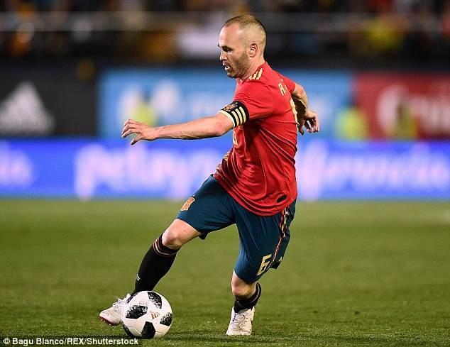 Iniesta bất ngờ bỏ ngỏ khả năng chia tay đội tuyển Tây Ban Nha - ảnh 1