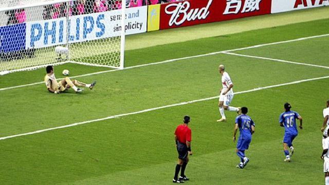 Ký ức World Cup: Cú 'thiết đầu công' vỡ tan giấc mộng vàng - ảnh 4