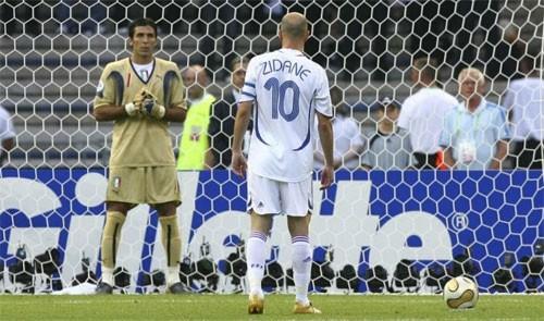 Ký ức World Cup: Cú 'thiết đầu công' vỡ tan giấc mộng vàng - ảnh 2