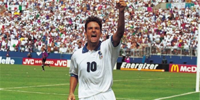 Ký ức World Cup: Bi kịch bất công của đuôi ngựa 'thần thánh' - ảnh 2