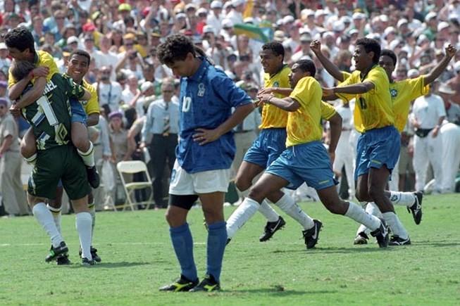 Ký ức World Cup: Bi kịch bất công của đuôi ngựa 'thần thánh' - ảnh 4