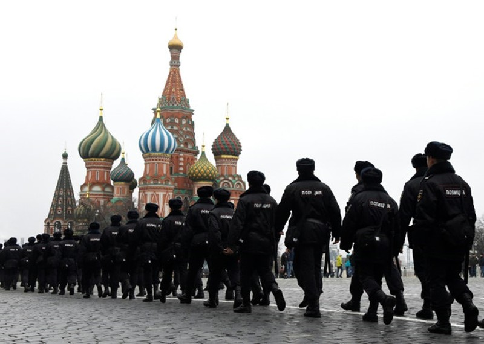 World Cup chưa đến, hooligan Nga đã 'dọa xử' fan Anh - ảnh 2