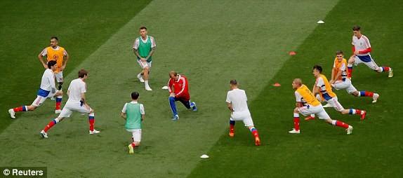 Nga 1-0 Saudi Arabia:Chủ nhà ghi bàn thắng đầu tiên World Cup  - ảnh 20