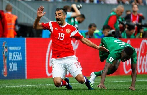 Nga 1-0 Saudi Arabia:Chủ nhà ghi bàn thắng đầu tiên World Cup  - ảnh 3
