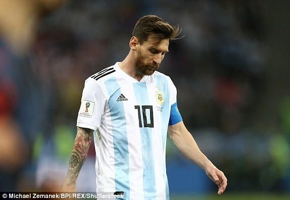 Thủ môn sai lầm, Messi vô hại, Argentina gặp ác mộng khó ngờ - ảnh 10