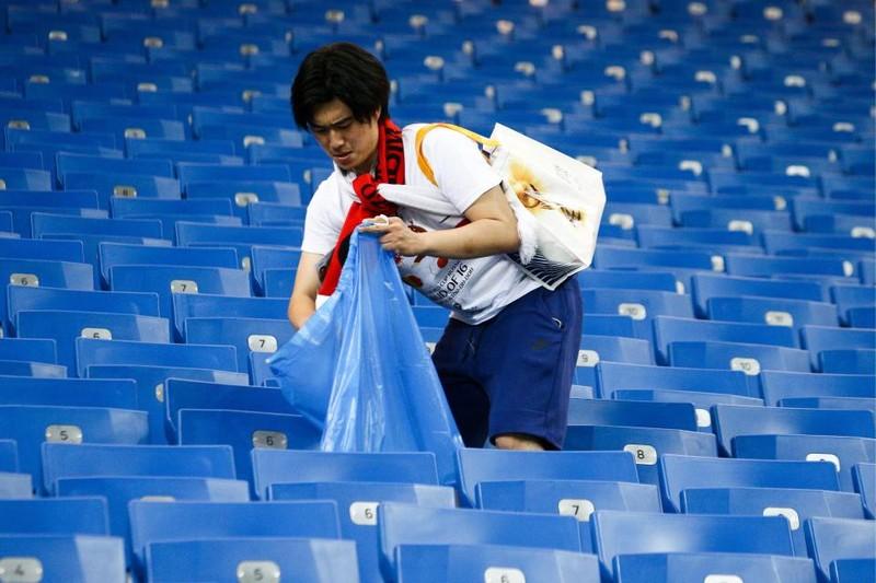 Thua đau Bỉ, người Nhật vẫn hành động khiến thế giới nể phục - ảnh 6