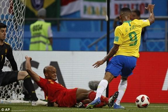 Bỉ gây sốc, loại ứng viên số 1 Brazil khỏi World Cup 2018 - ảnh 11