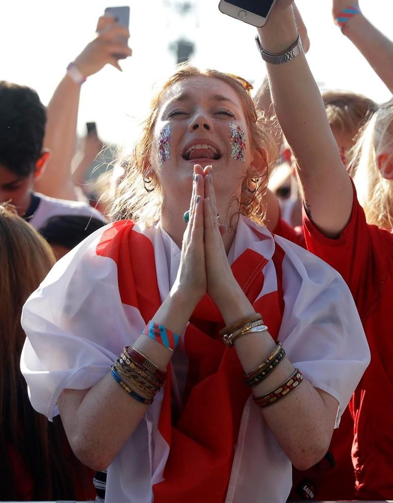 Thua cay đắng Croatia, fan Anh đau đớn bật khóc nức nở - ảnh 3