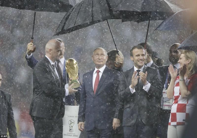 Ông Putin và chuyện hy hữu thời khắc Pháp đăng quang World Cup - ảnh 12