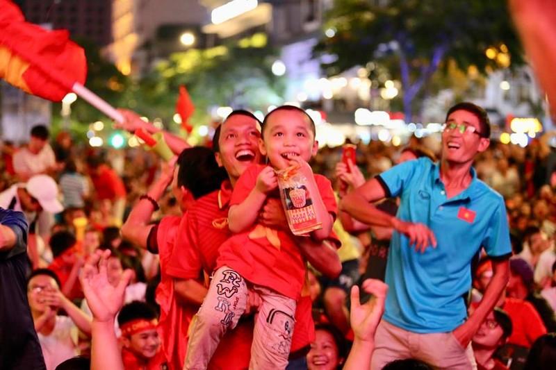 Đánh bại Philippines, Việt Nam mở toang cửa chung kết AFF Cup - ảnh 10