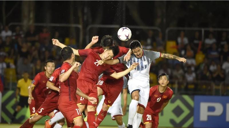 Đánh bại Philippines, Việt Nam mở toang cửa chung kết AFF Cup - ảnh 1