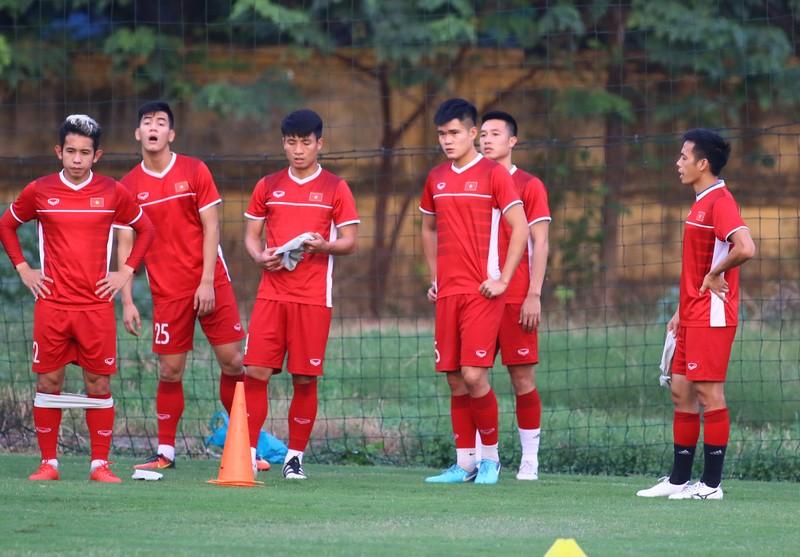 Vị khách đặc biệt trong buổi tập của đội tuyển Việt Nam - ảnh 17