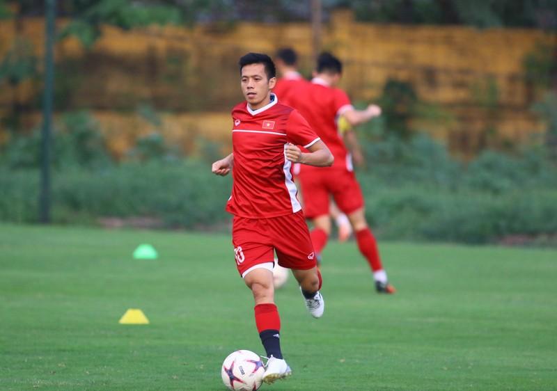 Vị khách đặc biệt trong buổi tập của đội tuyển Việt Nam - ảnh 23