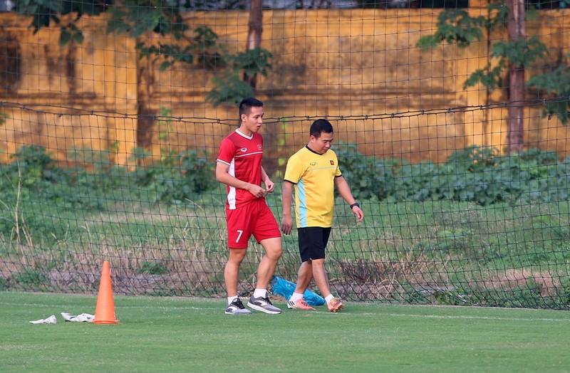 Vị khách đặc biệt trong buổi tập của đội tuyển Việt Nam - ảnh 14