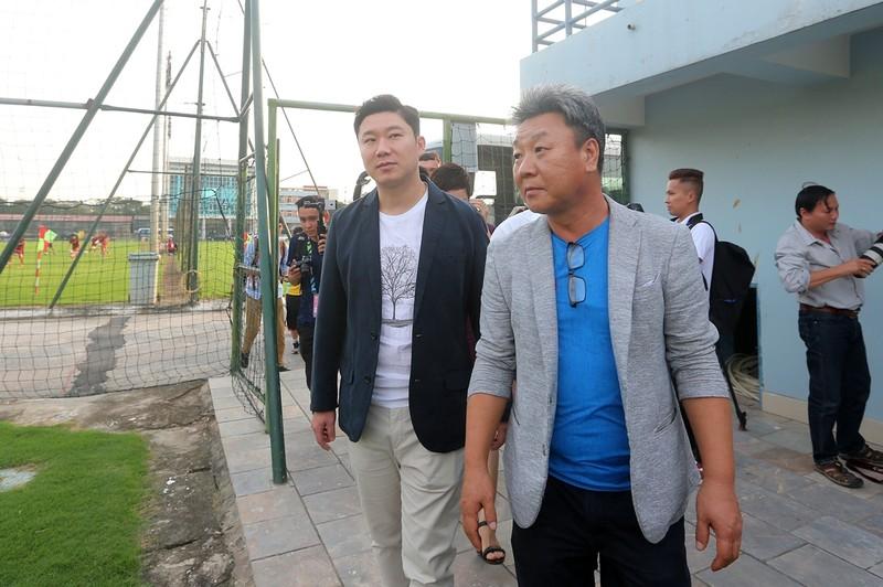 Vị khách đặc biệt trong buổi tập của đội tuyển Việt Nam - ảnh 6