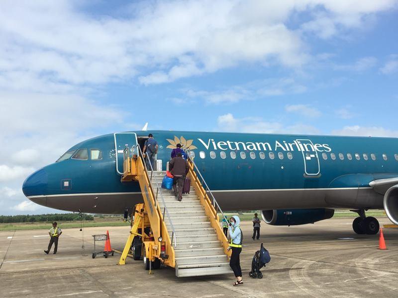 Giải pháp mới giảm kẹt vùng trời sân bay Tân Sơn Nhất - ảnh 1