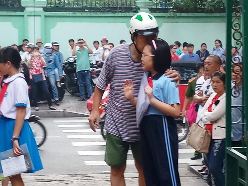 Hơn 4.000 'sĩ tử' chen chân vào lớp 6 chuyên Trần Đại Nghĩa - ảnh 7