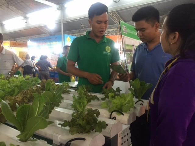 TP.HCM khai mạc Hội chợ nông sản thực phẩm sạch - ảnh 1