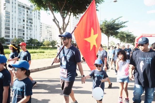 Chạy bộ ủng hộ bệnh nhân ung thư Việt Nam - ảnh 1