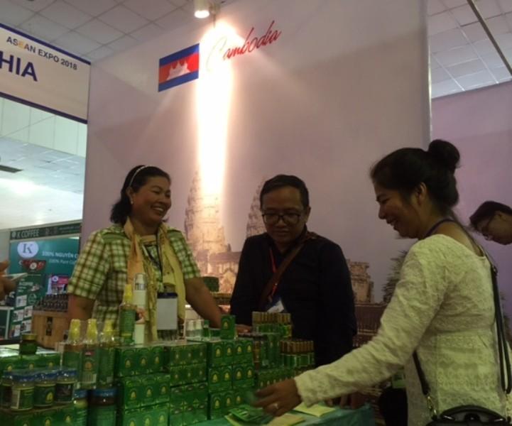 Nhiều đặc sản Lào, Thái Lan, Campuchia... hội tụ về TP.HCM  - ảnh 3