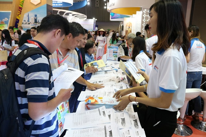 Hàng ngàn cuộc 'hẹn hò' tại hội chợ du lịch TP.HCM - ảnh 2