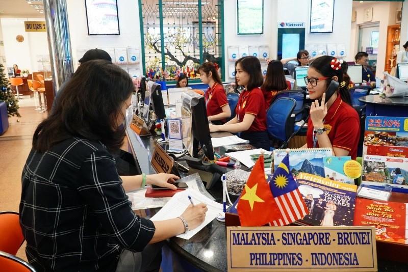 Thuê chuyến bay giá 10 triệu sang Malaysia cổ vũ tuyển VN  - ảnh 1