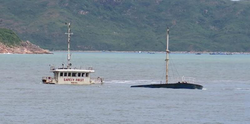 Hiểm họa chực chờ từ 8 con tàu chìm ở biển Quy Nhơn - ảnh 2