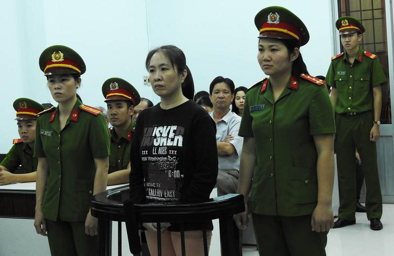 Y án 10 năm tù đối với blogger Mẹ Nấm
