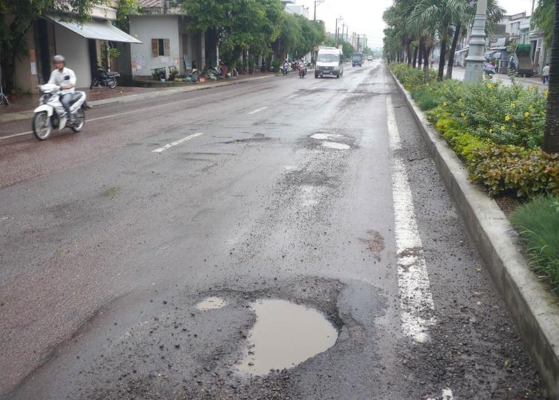 Quốc lộ 1 qua Bình Định càng sửa càng hỏng nặng - ảnh 2
