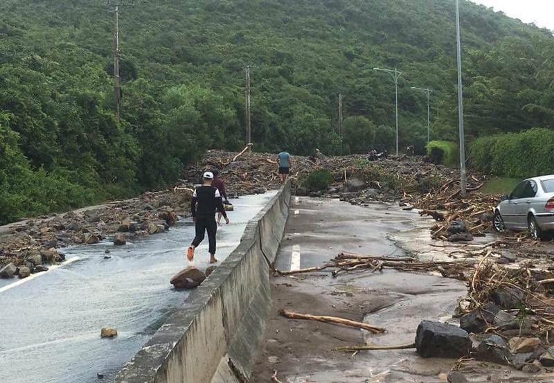 17 người chết và mất tích, Nha Trang tiếp tục sơ tán dân - ảnh 6