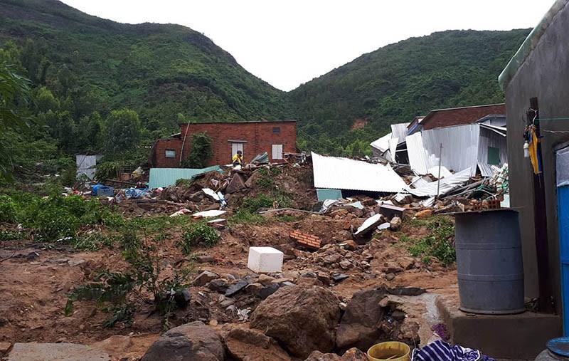 17 người chết và mất tích, Nha Trang tiếp tục sơ tán dân - ảnh 1