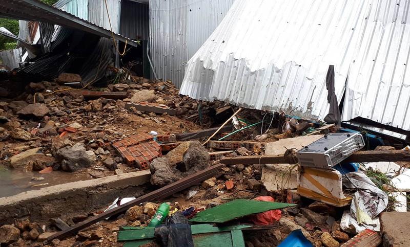17 người chết và mất tích, Nha Trang tiếp tục sơ tán dân - ảnh 8
