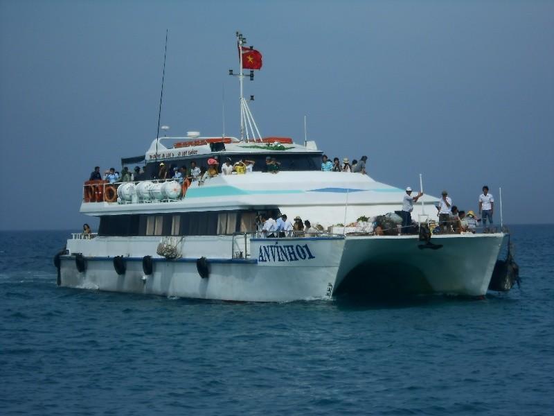 Hơn 4000 khách du xuân đảo Lý Sơn - ảnh 2