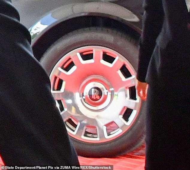 Ông Kim Jong-un vừa tậu siêu xe Rolls Royce mới? - ảnh 1