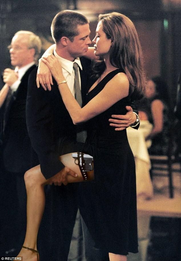 Brad Pitt, Angelina Jolie sắp ra tòa giành con - ảnh 1