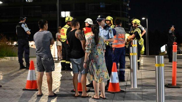 Úc di tản dân sau khi tòa nhà 38 tầng có dấu hiệu nứt - ảnh 2