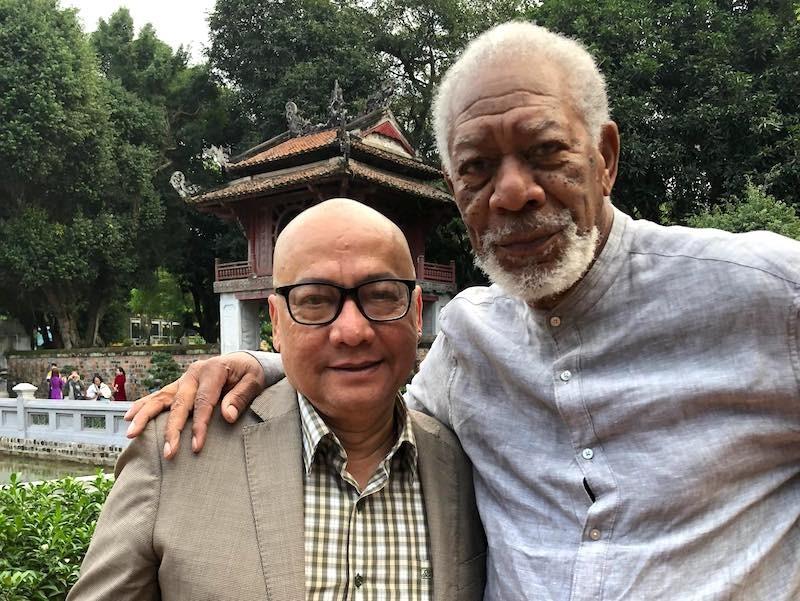 Tài tử Morgan Freeman làm phim ở Văn Miếu, Tòa thánh Tây Ninh - ảnh 1