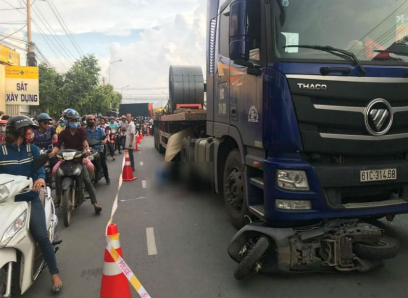 Thai phụ bị container cán ở Bình Dương không qua khỏi - ảnh 1
