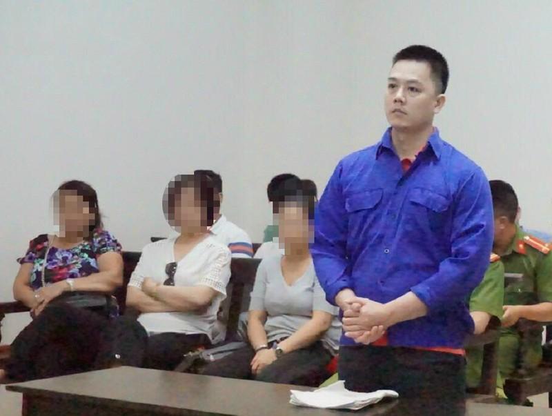 Cựu cán bộ ngân hàng dâm ô bé gái 9 tuổi lãnh 2 năm tù - ảnh 1